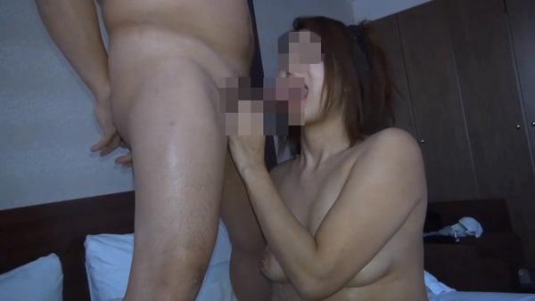 【個人撮影・セット販売】31歳1児のママ….セフレに連れられて又貸し寝取られでまぐわる 前編&後編