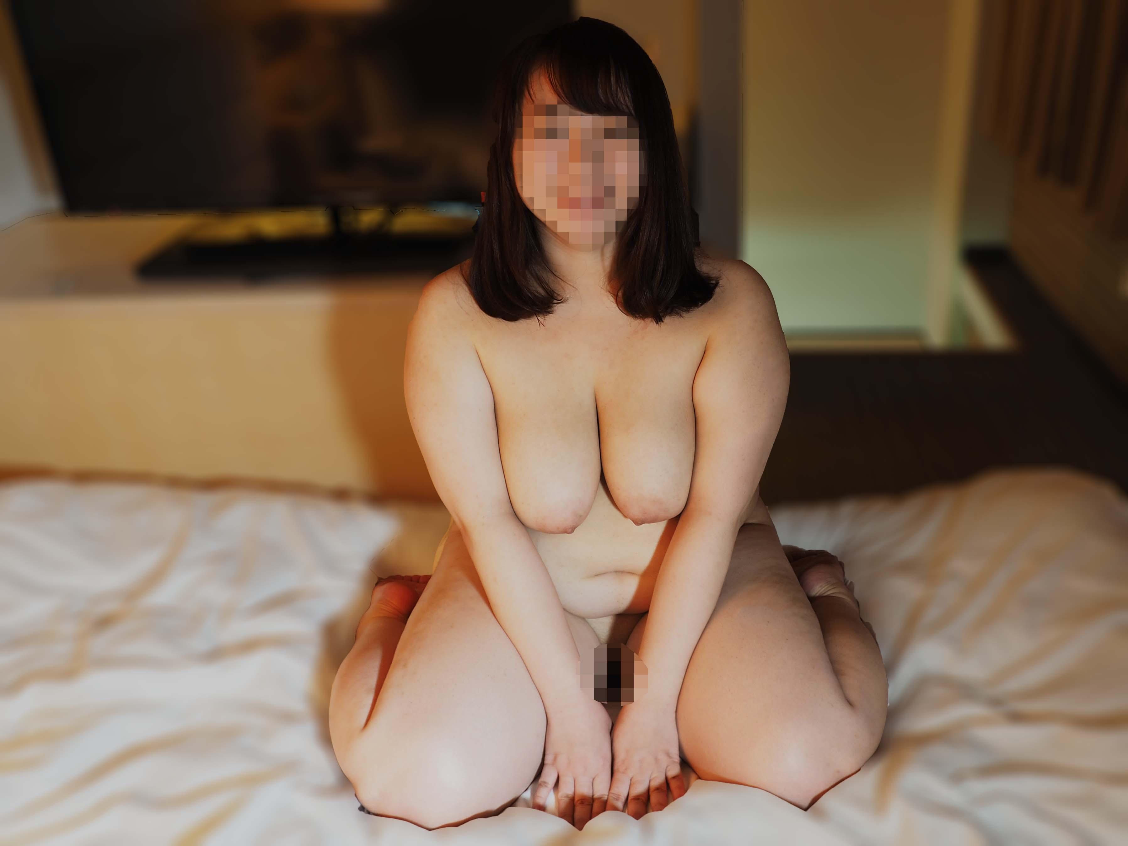 柳瀬早紀 似 の 巨乳 ちゃん