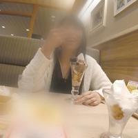 【無修正x個人撮影】レンタル彼女 ファミレスでパフェデートの後は、エロい雰囲気の赤い部屋でパイズリしてもらった★期間限定30%オフ【高画質レビュー特典有り】
